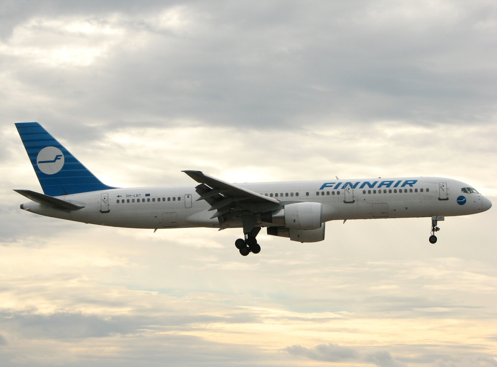 Finnair old 757
