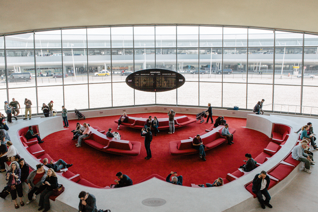 This image is taken from http://www.doobybrain.com/2013/10/20/twa-flight-center-at-jfk-airport/ on November 27, 2014 (All Rights Reserved)