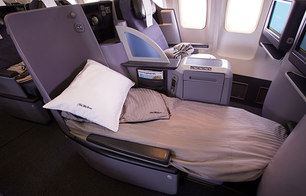 United Premium Transcontinental Service Lie Flat Seat and Saks Fifth Avenue Bedding