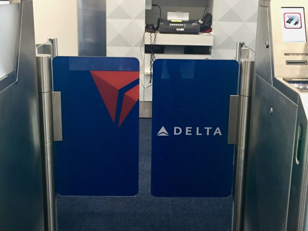 e-gates with livery - Delta Air Lines Smart Boarding Experience Harsfield-Jackson Atlanta International Airport Gate T2